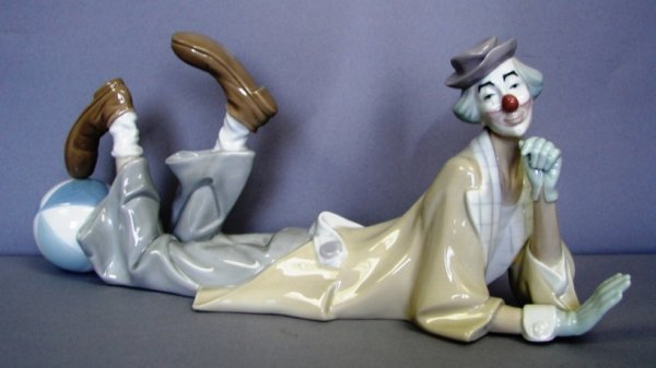 "8812: Lladro Figure-Clown #G4618, 6.25"" Issued 1969"