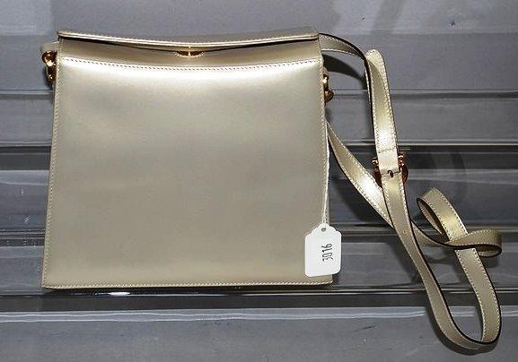 3016: Sal. Ferragamo Tan Shoulder Handbag