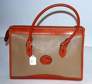 3542: Dooney & Bourke Large Tan Leather Tote