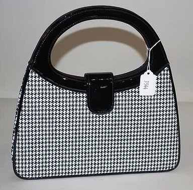 3544: Lulu Guinness Black Patent Leather Handbag