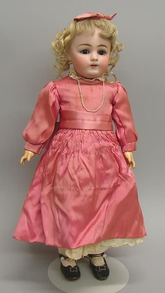"7006: 17"" Made in Germany C 1/2 Dep 7 1/2 160 Doll/Bisq"