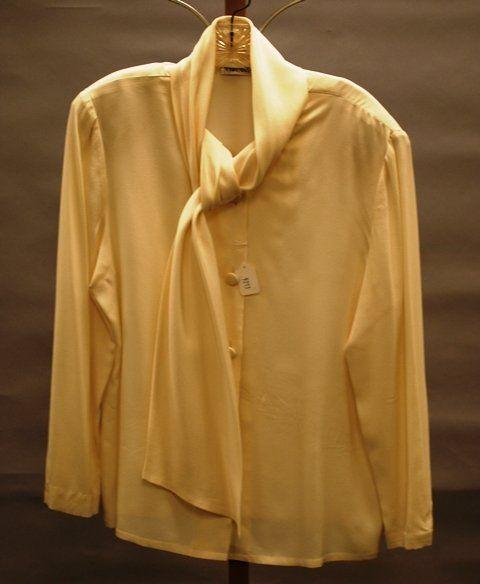 9213: Mary Ann Restivo Cream Silk L-Sleeve Blouse (12)