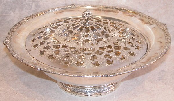 542: Sterling Silver and Plated Center Bowl.