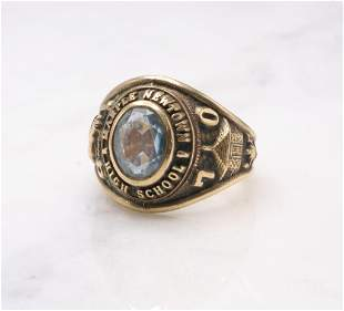 18KY Gold Class Ring