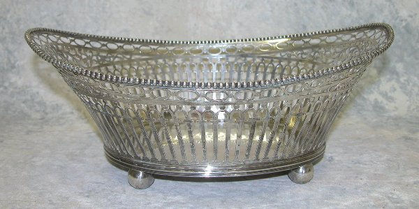 471: Sterling Silver Cake Basket.