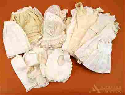 LOT OF ANTIQUE/VINTAGE DOLL/BABY CLOTHING.