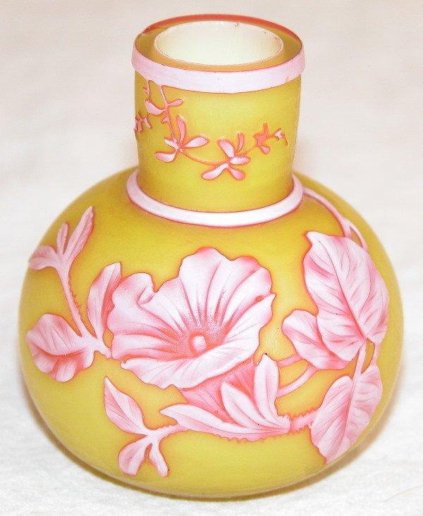 480: Miniature Cameo Glass Vase – Webb.
