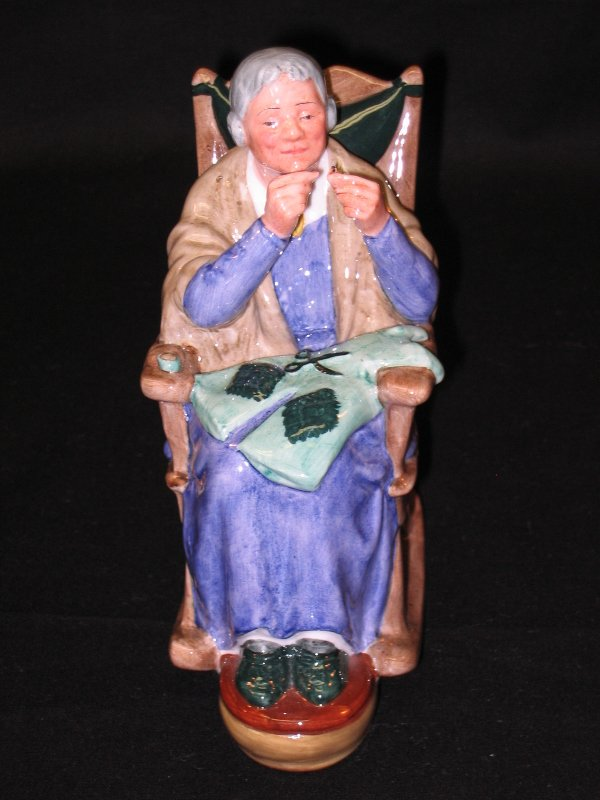 1011: Royal Doulton Figurine
