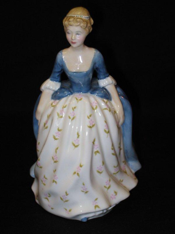 1019: Royal Doulton Figurine