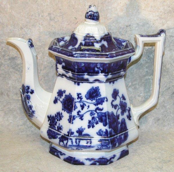 447: Flow Blue Teapot, Bud Finial – Cashmere.