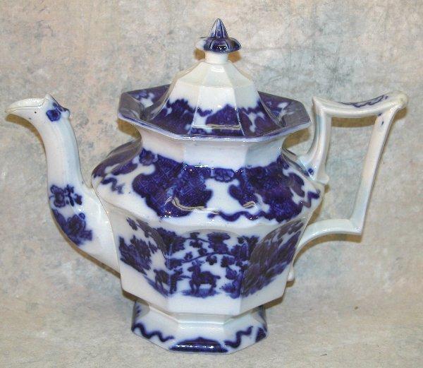 451: Flow Blue Teapot – Cashmere.