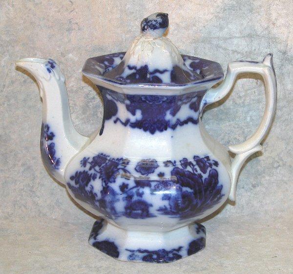 453: Flow Blue Teapot, Acorn Finial – Cashmer