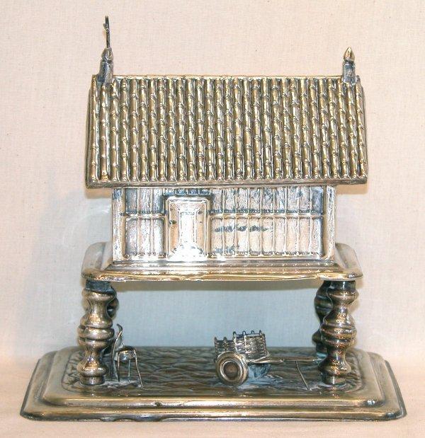 1033: Architectural Silver Box.