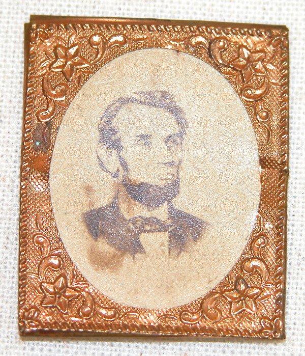 521: Albumin Photograph of Lincoln.