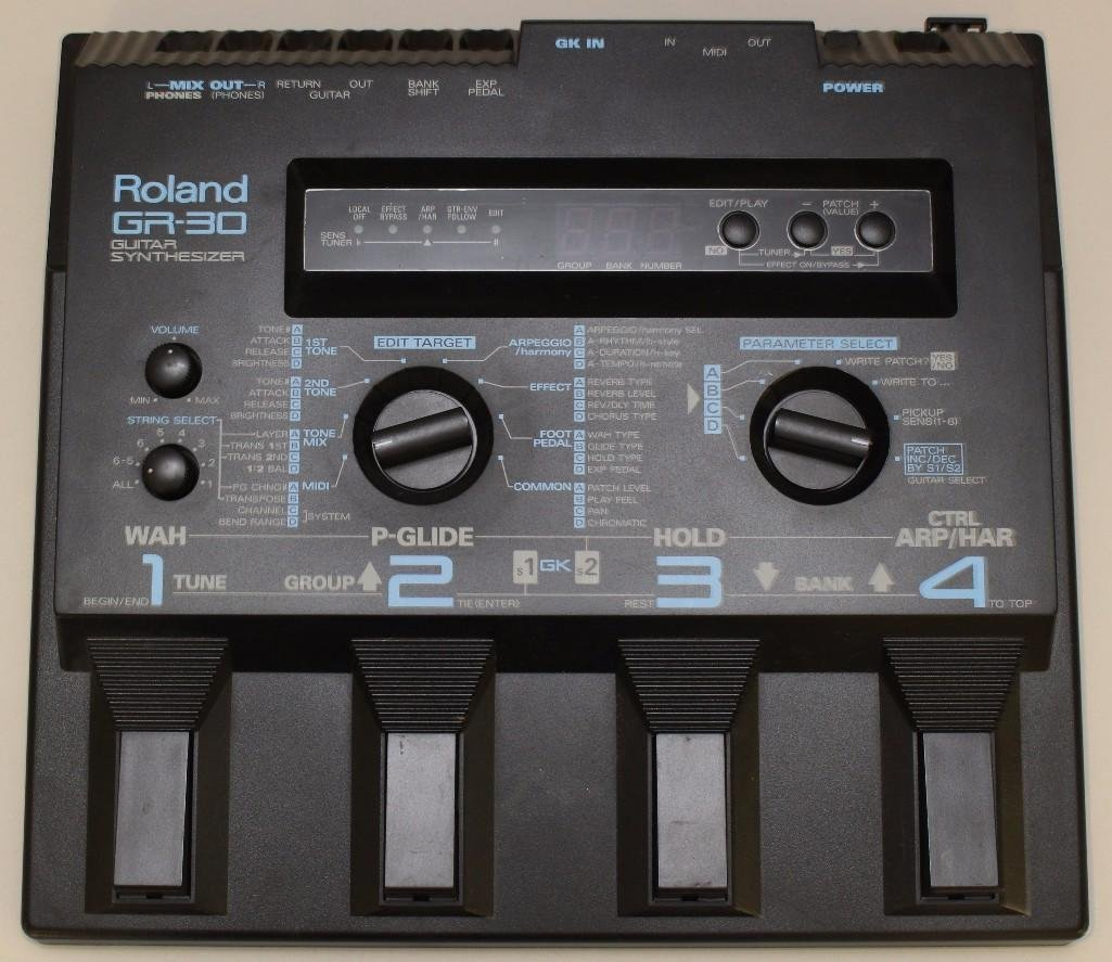 Roland GR 30 Guitar Synthesizer