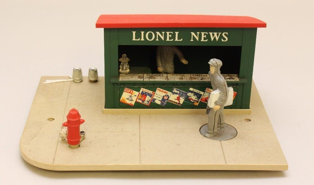 Lionel Animated News Stand