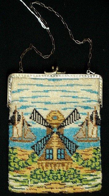 4017: Glass Beaded Purse - Pre-1920
