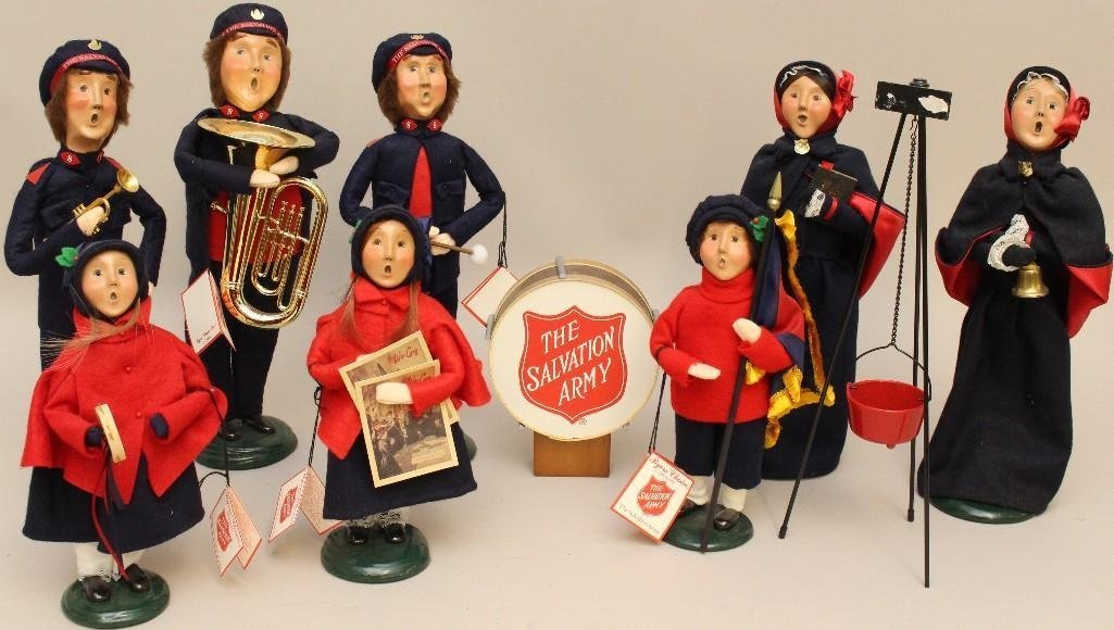 "(8) PIECE SET  OF 1999  BYER'S CHOICE ""SALVATION ARMY"""
