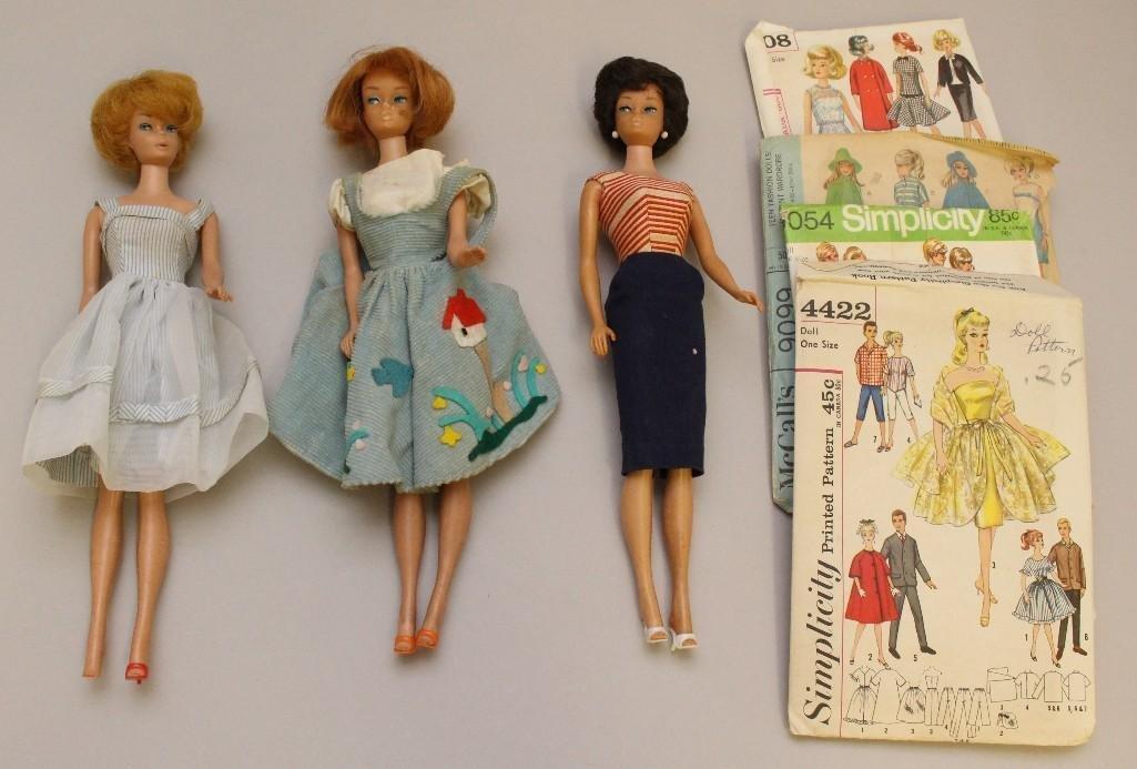 BARBIE FAMILY LOT: (3) BARBIE DOLLS;  (4) 1960's/70's