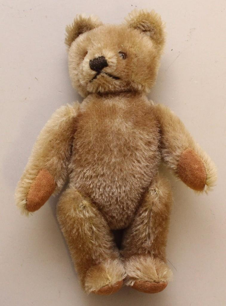 LOT: CLOTH ARTIST DOLL, STEIFF BEAR & (2) BEV WRIGHT - 3