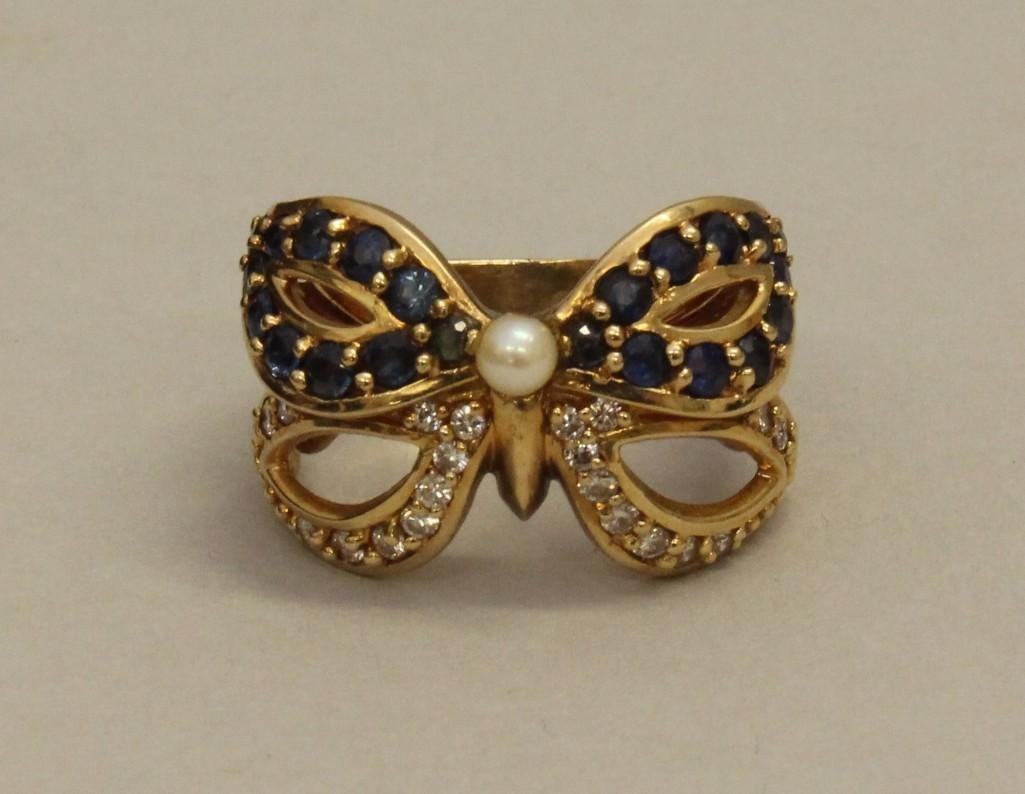 Gold Ring with Sapphire, Diamond and Pearl