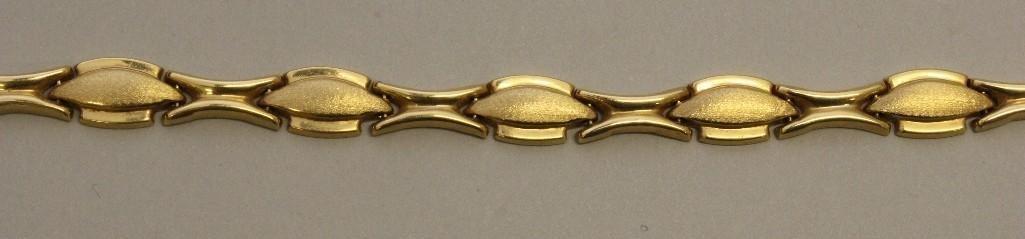 Gold Necklace and Bracelet Set - 3