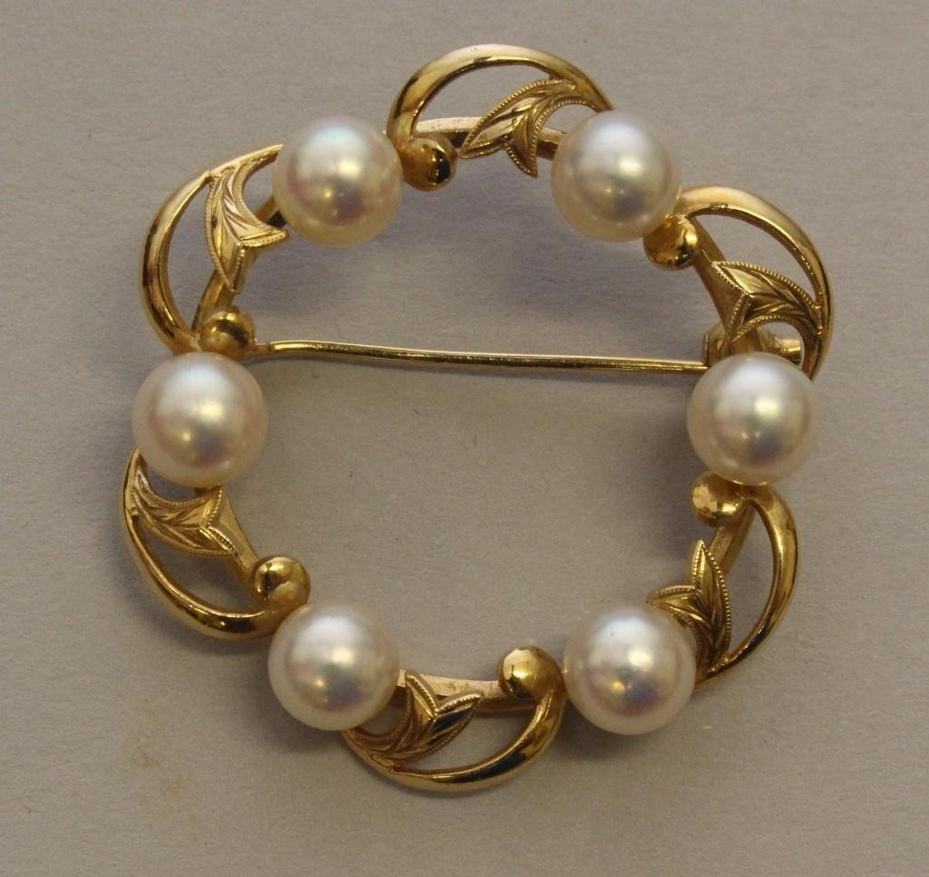Gold Mikimoto Pin with Pearls