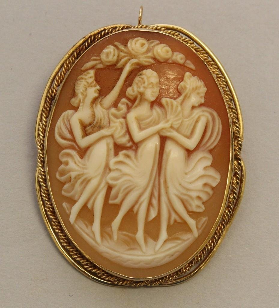 Gold Pin/Pendant with Cameo