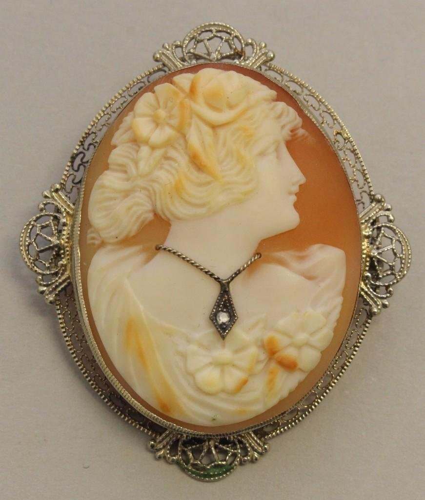Gold Pin with Cameo