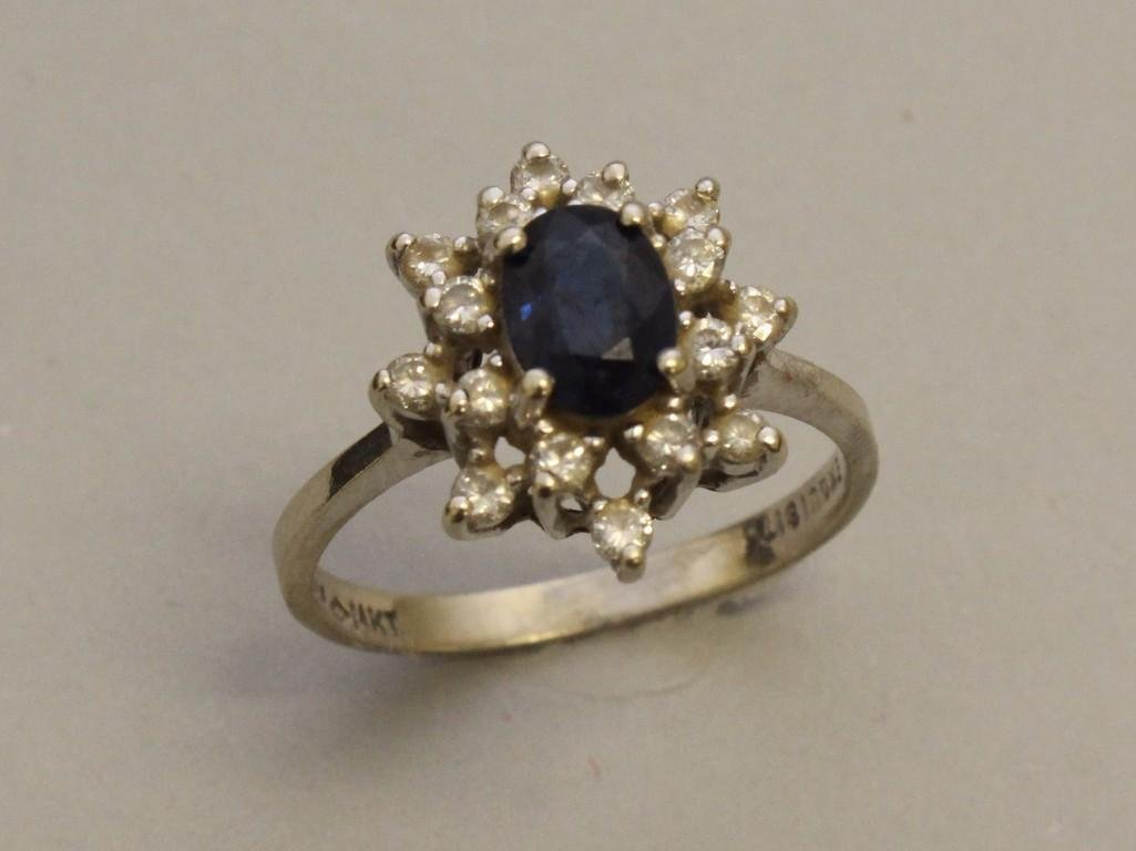 Gold Ring with Sapphire and Diamonds - 2