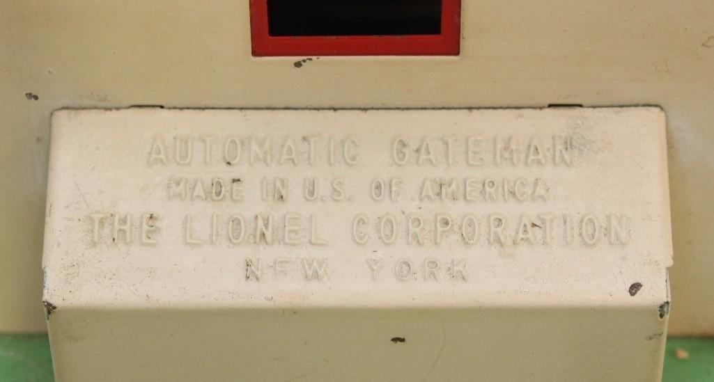 Lionel Automatic Gateman - 3