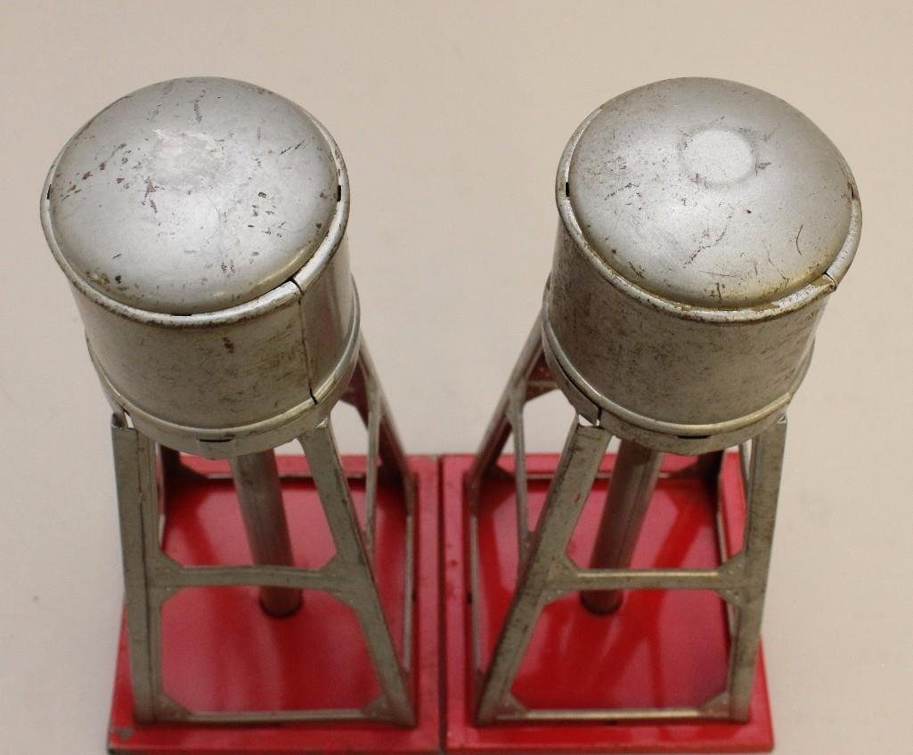 Lot of 2 Lionel Water Towers - 6