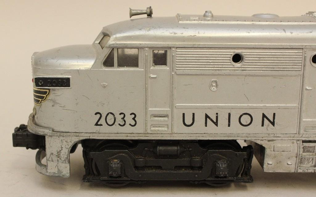 Lot of 2 Lionel Union Pacific Engines - 6