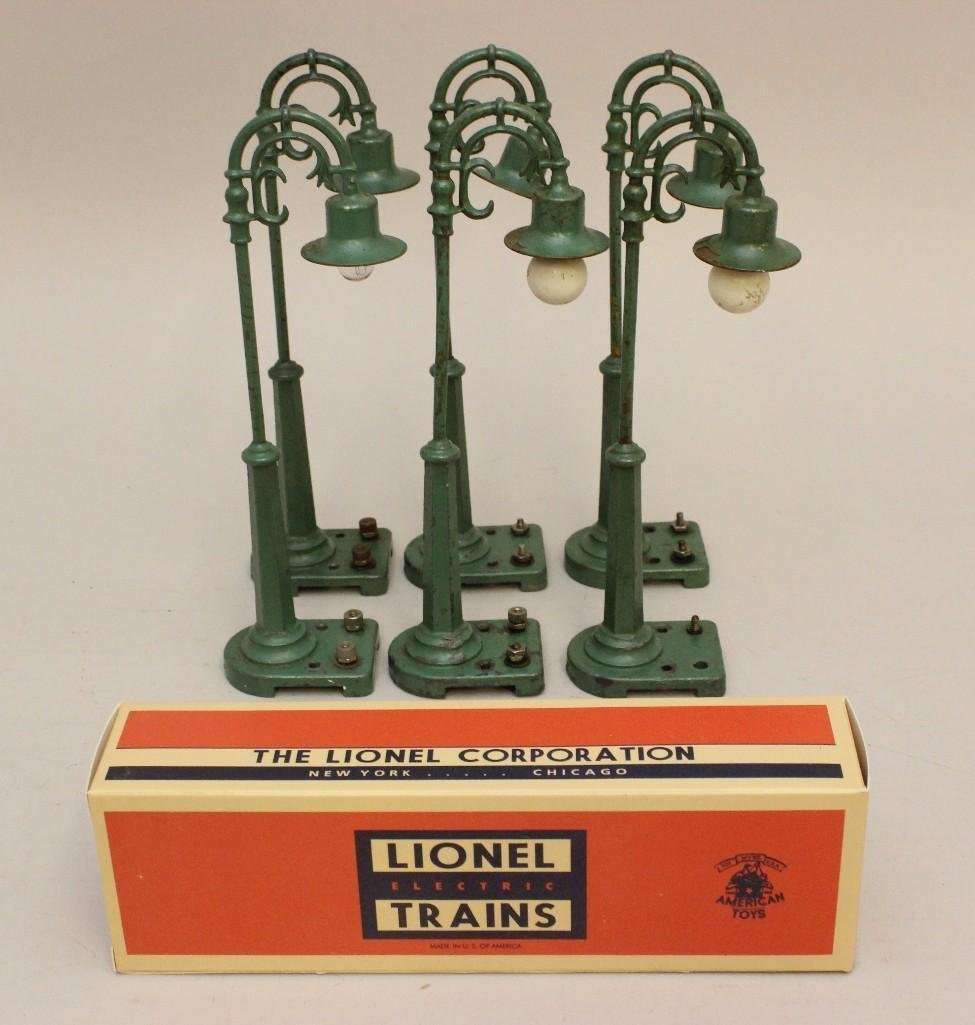Lot of 6 Lionel White Metal Lamp Post Lights