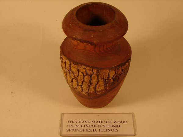 506: WOOD VASE FROM LINCOLN'S TOMB