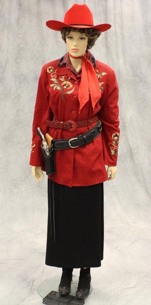 """Annie Oakley"" Mannequin with Replica Pistol - 2"