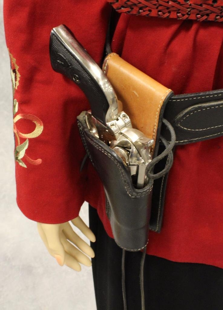 """Annie Oakley"" Mannequin with Replica Pistol - 4"