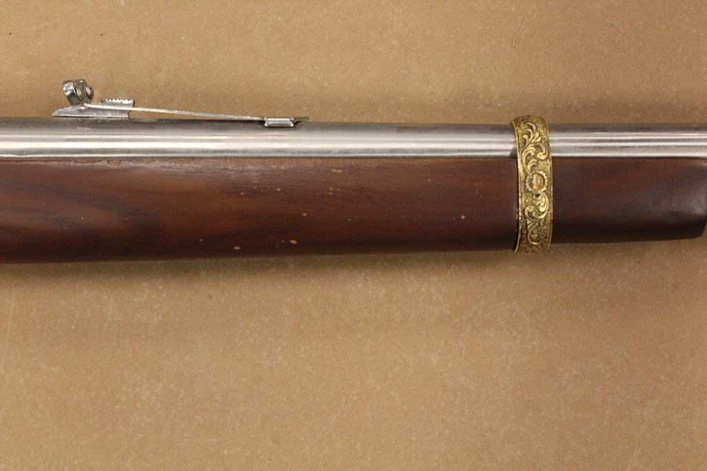 John Wayne Franklin Mint Rifle - 4
