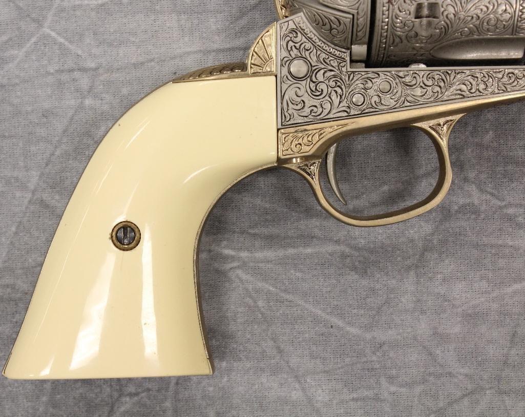 John Wayne Franklin Mint Replica 45 cal Colt Pistol - 2