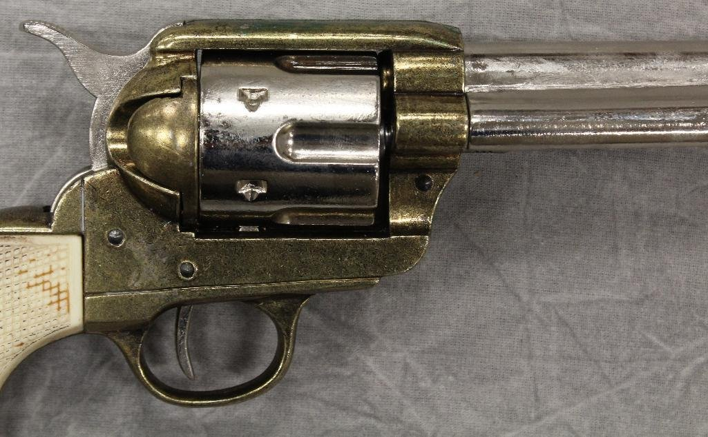 Pair of Replica Collectors Armoury 1873 Western - 3