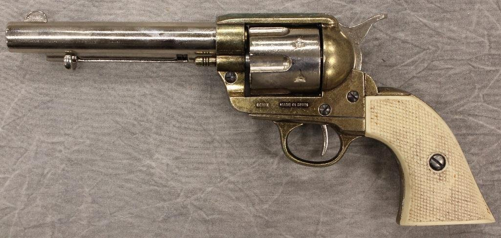 Pair of Replica Collectors Armoury 1873 Western - 6