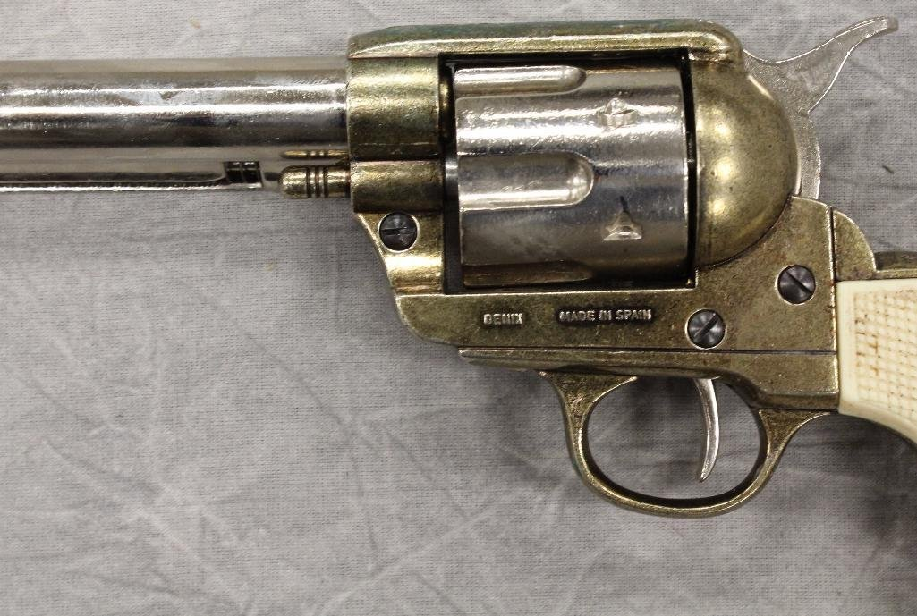 Pair of Replica Collectors Armoury 1873 Western - 8