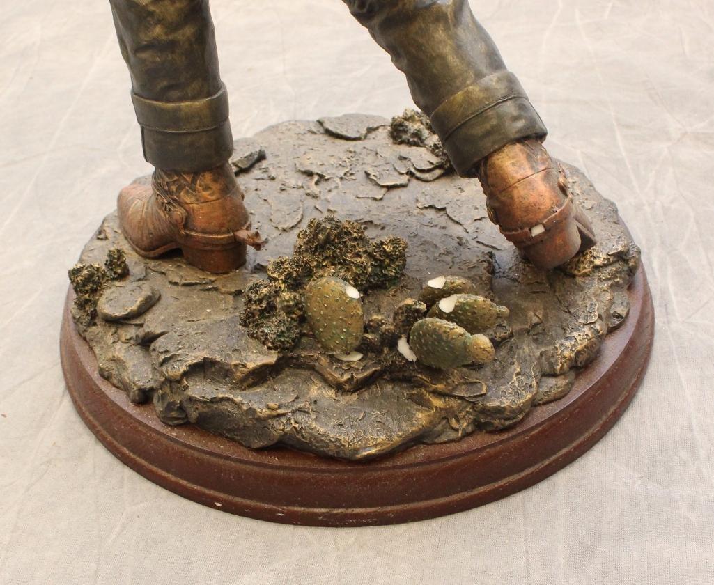 "Bradford Exchange John Wayne Sculpture ""Lawman"" - 4"