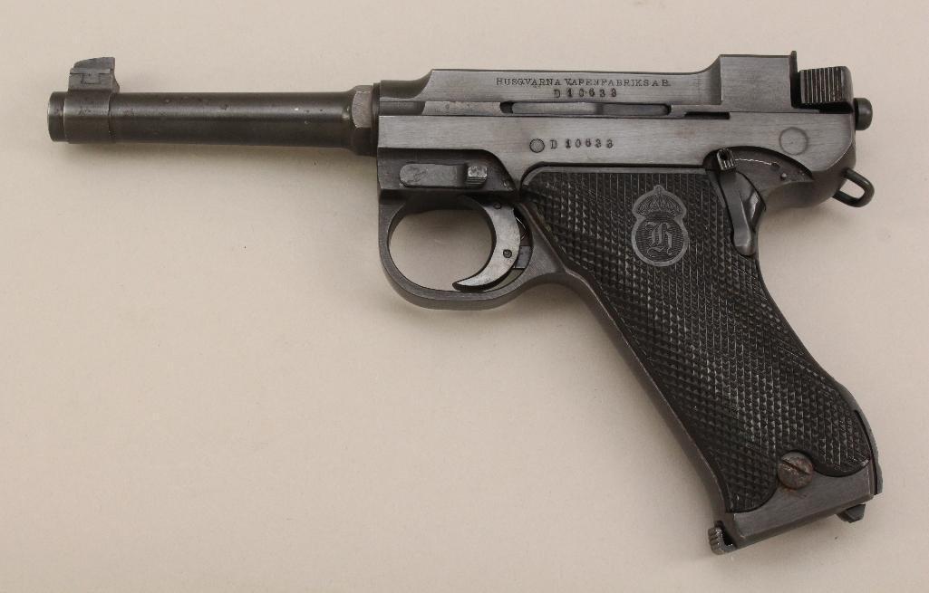 Husqvarna Lahti Model 40 semi-automatic pistol.