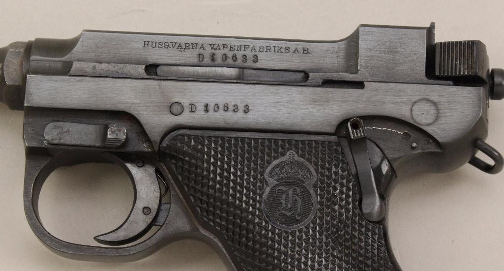 Husqvarna Lahti Model 40 semi-automatic pistol. - 2