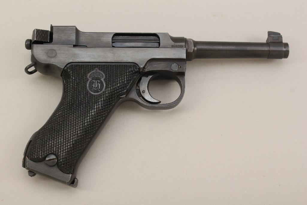 Husqvarna Lahti Model 40 semi-automatic pistol. - 3