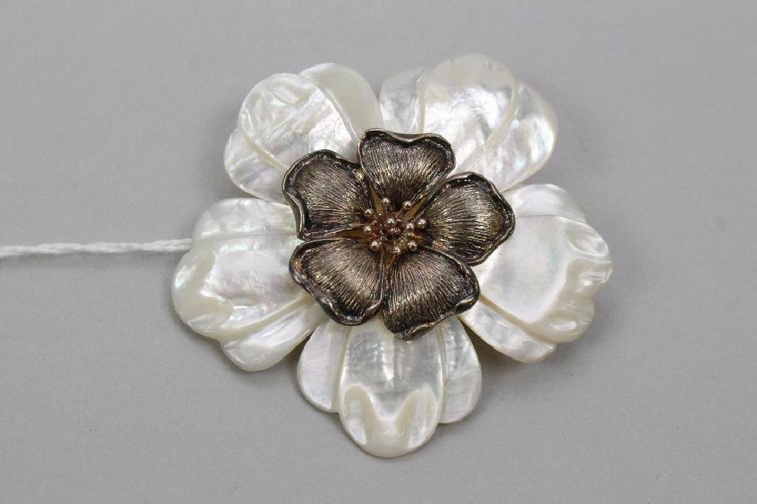 STERLING PIN/PENDANT. MOTHER OF PEARL