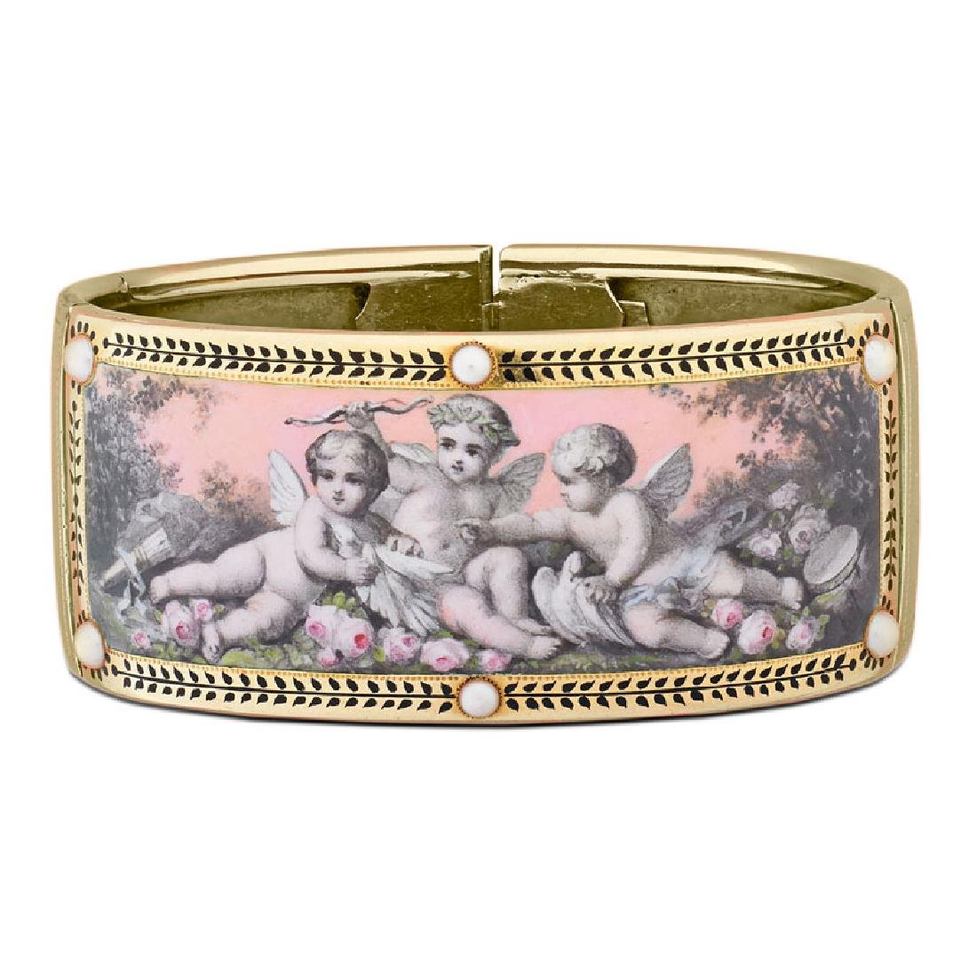 MID VICTORIAN ENAMELED YELLOW GOLD PUTTI BRACELET