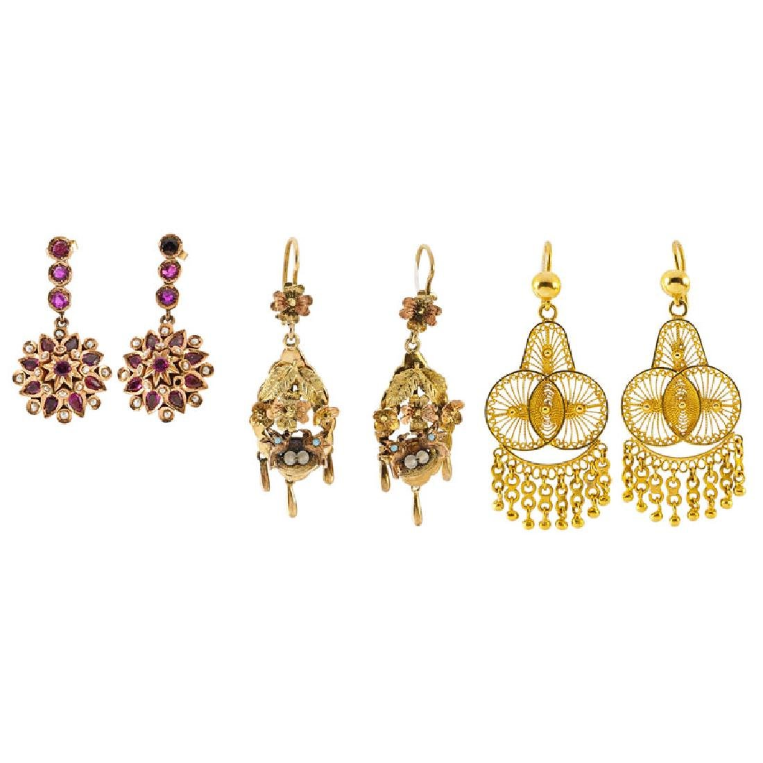 THREE PAIRS OF YELLOW GOLD DROP EARRINGS
