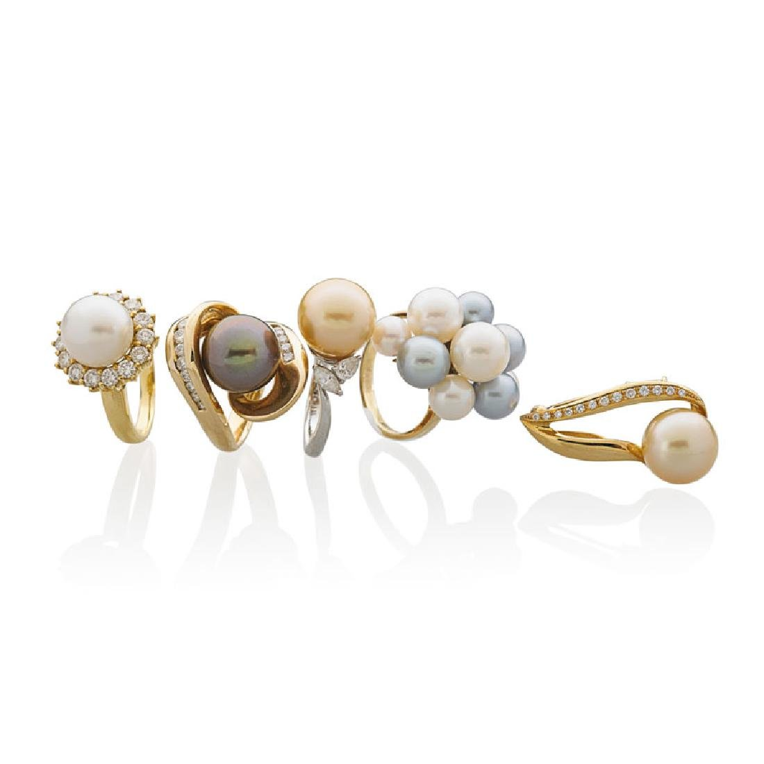 MULTI HUE COLLECTION OF PEARL & GOLD JEWELRY